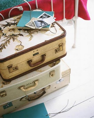 Vintage_Suitcases_from_Apartment_Therapy